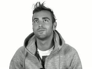 Ex concorrente X Factor 3 300x225 Marco Mengoni: FOTO in spiaggia sognando lAmerica immgine