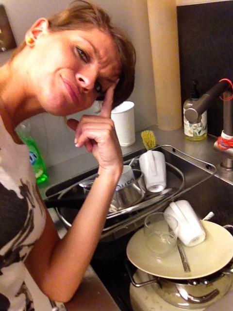 Alessandra Amoroso piatti da lavare foto