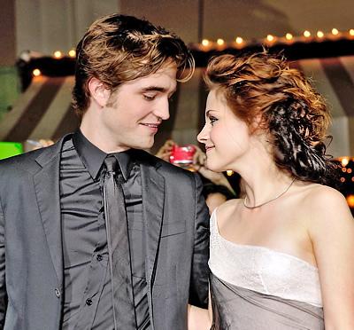 Robert Pattinson e Kristen Stewart divisi anche sul red carpet