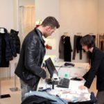 Eugenio-in-un-negozio-Patrizia-Pepe