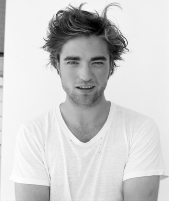 Sexy Robert Pattinson on Robert Pattinson Sexy 150x150 Robert Pattinson    Ingrassato Parecchio