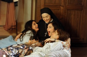 Azzurra ama Guido e Chiara vuole diventare suora riassunto 6 puntata del 28 marzo 2013 Che Dio ci aiuti 2