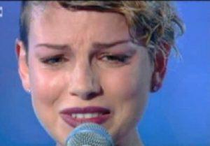 emma-marrone-piange