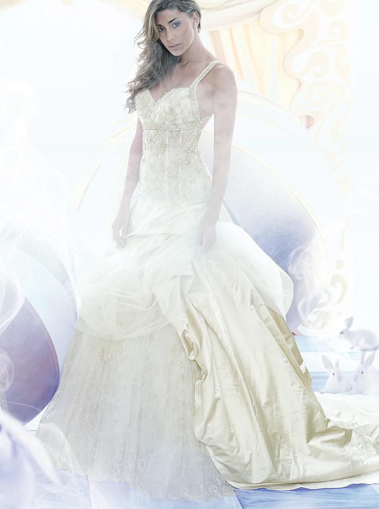 belen abito da sposa modella1 150x150 Belen Rodriguez a caccia ...