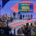 sfilata over 150x150 La scelta di Eugenio a Uomini e Donne: Eleonora ringrazia i fans, Francesca vive lattesa con la sorella immgine