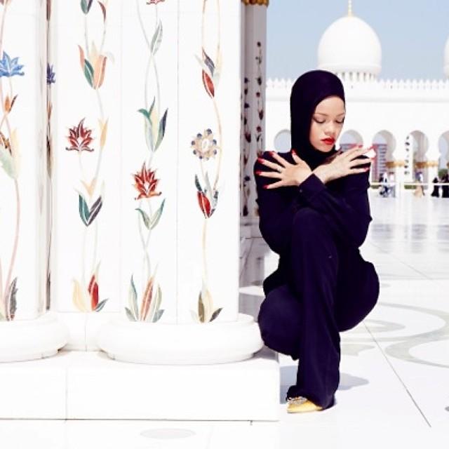 rihanna-moschea-2