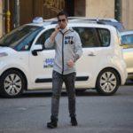 Mirko Scarcella fotografato con il collare e la scritta Not Bad, un altro incontro con De Martino?