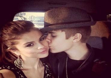 Justin Bieber e Selena Gomez volano in Canada