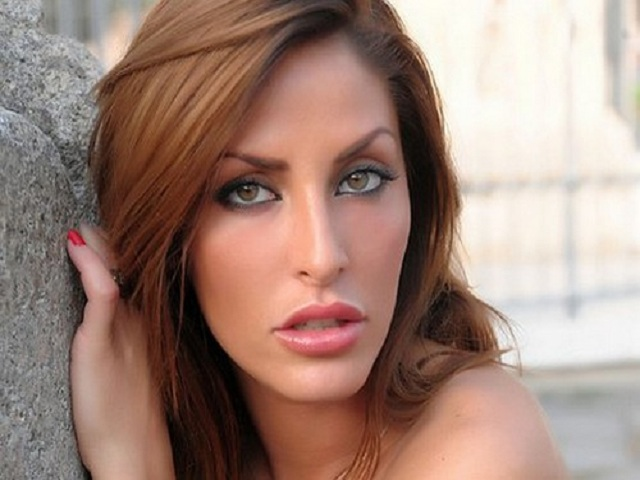 Guendalina Tavassi Nude Photos 13