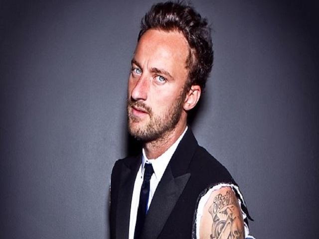 Facchinetti si tatua in diretta a the voice i love j ax - Gemelli diversi fratello j ax ...