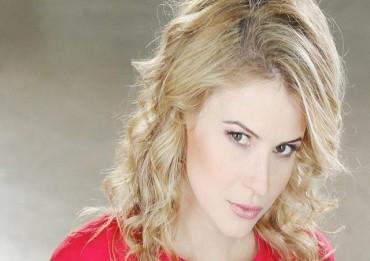 Linsey-Godfrey-Caroline-Beautiful