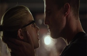 Arrow-Oliver-Felicity-Bacio