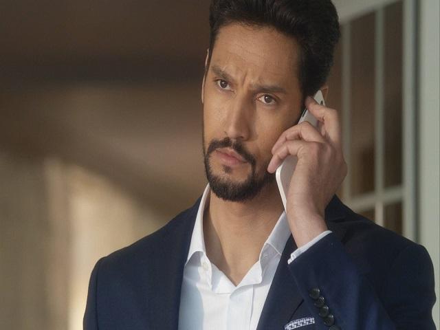 Il-principe-anticipazioni-ottava-puntata-spagnola-faruq-khaled