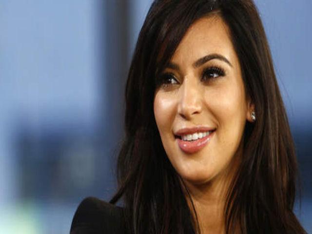 Kim Kardashian e Kanye West genitori, è nato il quarto figlio: l'annuncio