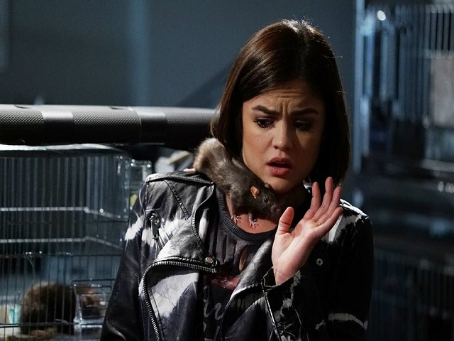 Pretty-Little-Liars-6-Aria-con-topo