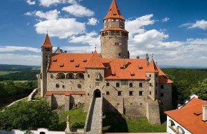 castello-bouzov-