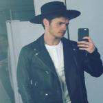 selfie gregg sulkin