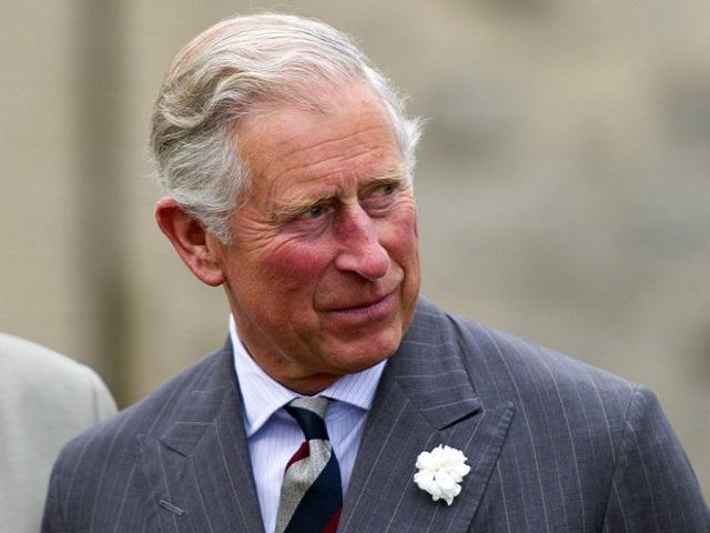 Il Principe Carlo ha il Coronavirus: trema la Regina Elisabetta