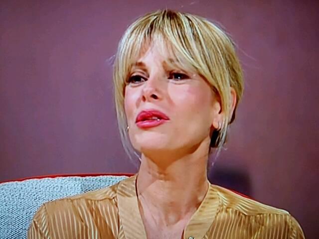 Alessia Marcuzzi a L'Intervista di Costanzo: il matrimonio, i figli, gli ex