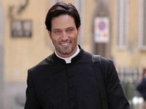 Gabriel Garko Padre Francesco Io ti assolvo