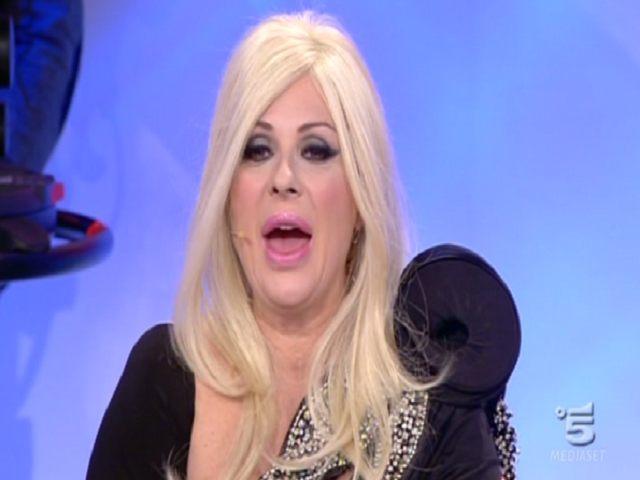 Tina Cipollari parla del figlio Francesco: polemica tra i fan