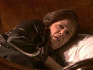 Donna Francisca umiliata da Cristobal - Il Segreto