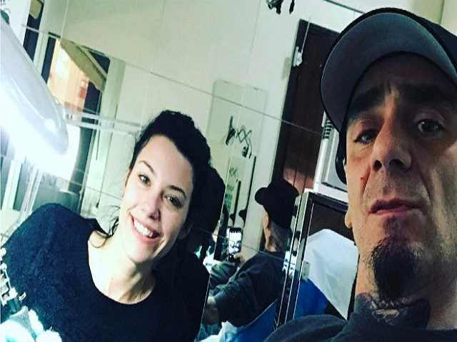 J ax la moglie del rapper chi la fotomodella elaina coker - Gemelli diversi fratello j ax ...