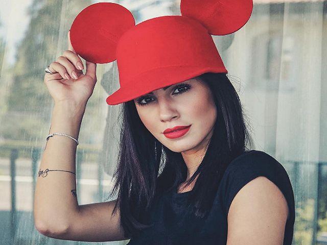 giulia de lellis cappello