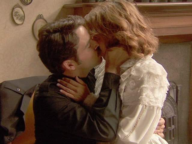 Cristobal ed Emilia fanno l'amore? - Il Segreto