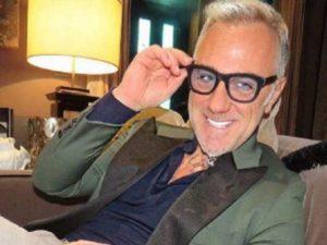 Gianluca Vacchi scomoda un elicottero per svelare il sesso d
