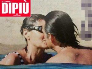 Simona Ventura e Gerò Carraro: caldi baci in Sardegna