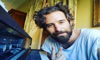 tommaso paradiso al pianoforte