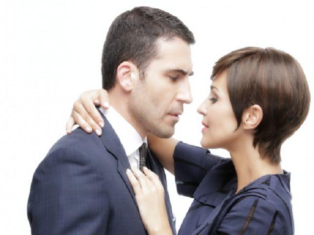 Velvet 4: Replica, Ana dirà di si a Carlos?