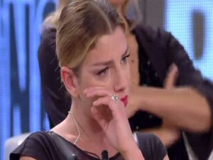emma marrone in lacrime