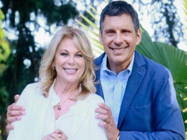 Fabrizio Frizzi e Rita Dalla Chiesa giacca blu
