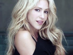 Shakira rinvia il concerto