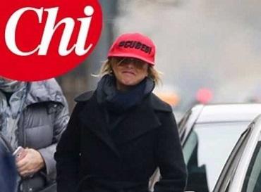 Nadia Toffa cappellino rosa