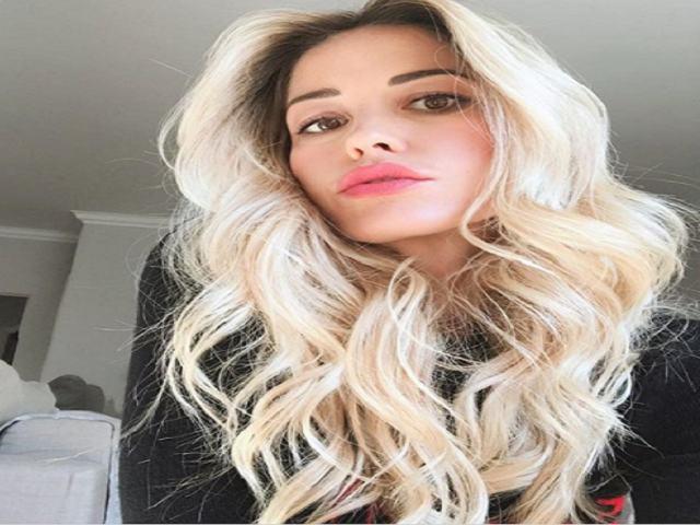 elena santerelli selfie