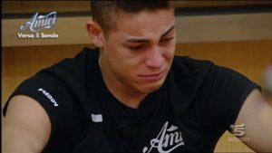 Einar piange ad Amici