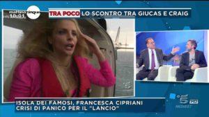 francesca cipriani ha un attacco di panico mentre si tuffa dall'elicottero all'isola dei famosi