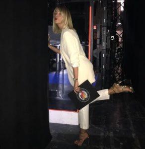 alessia marcuzzi e il look all'isola dei famosi nella puntata del 20 febbraio 2018