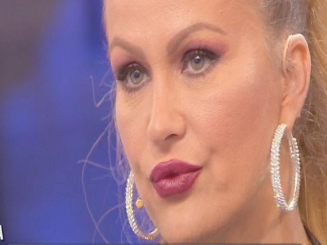 Alessia Marcuzzi lascia l'Isola dei Famosi? La decisione della redazione