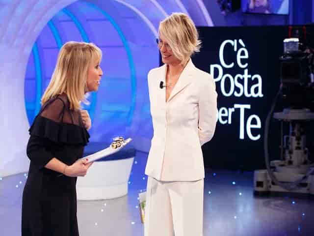 Foto di Luciana Littizzetto e Maria De Filippi insieme a C'è posta per te 2018