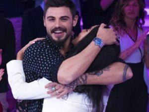 Francesco Monte sorpresa a Paola di benedetto