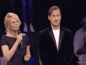 Foto di Maria De Filippi e Francesco Totti nella seconda puntata di Amici 2018 Serale