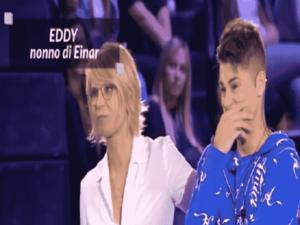 Foto Einar piange ad Amici 2018 Serale per la sorpresa del nonno Eddy da Cuba