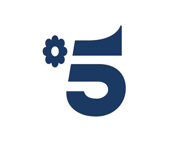 Foto del nuovo logo di Canale5 (in onda dal 16 aprile 2018)