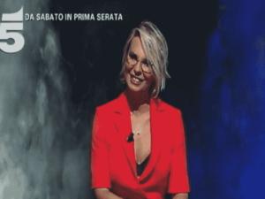 Foto di Maria De Filippi, nel promo di Amici 2018 Serale