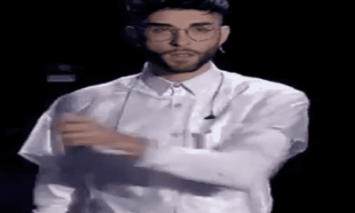 Foto Raimondo Cataldo, concorrente The Voice 2018 lancio asta microfono