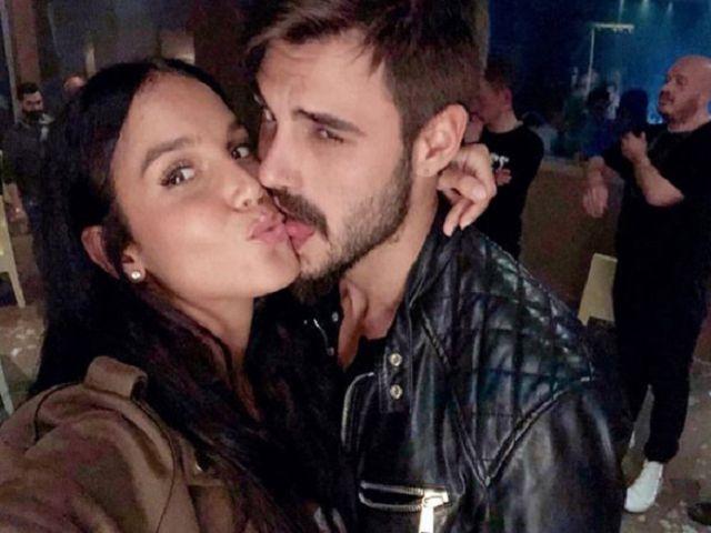 francesco monte e paola di benedetto si baciano in discoteca